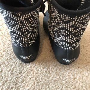 Ladies size 6 sperry boots